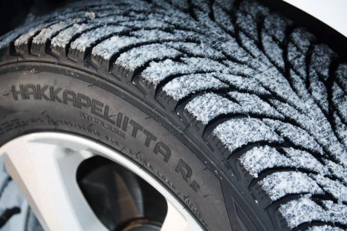 Какие шины ставить на зиму в городе