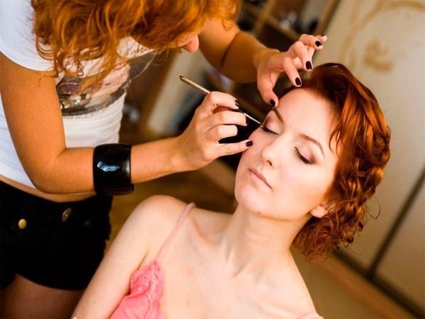 Обучение визажистов и парикмахеров