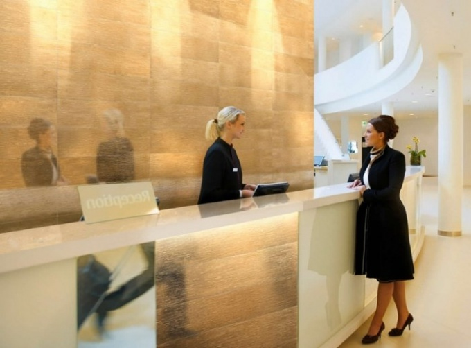 What are the duties of a receptionist