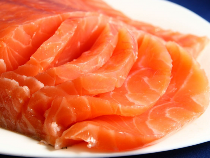 Как засолить лосося или форель