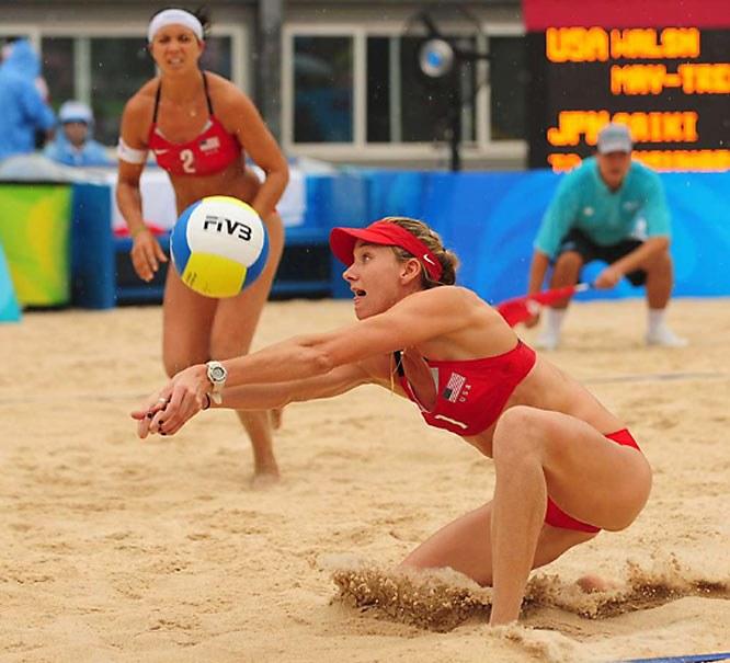 В волейбол, в отличие от баскетбола, можно играть и на песке