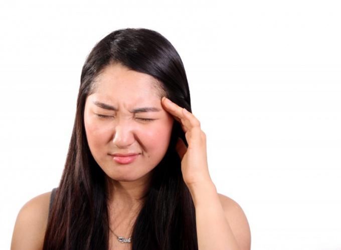 Что делать, если при температуре болит голова