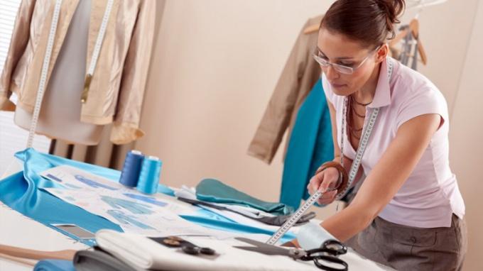Сколько стоит сшить платье в ателье