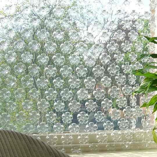 Как сделать шторы из пластиковых бутылок
