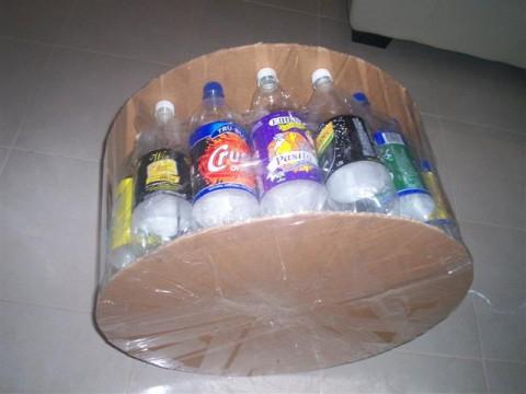 Пуфик из пластиковых бутылок больших