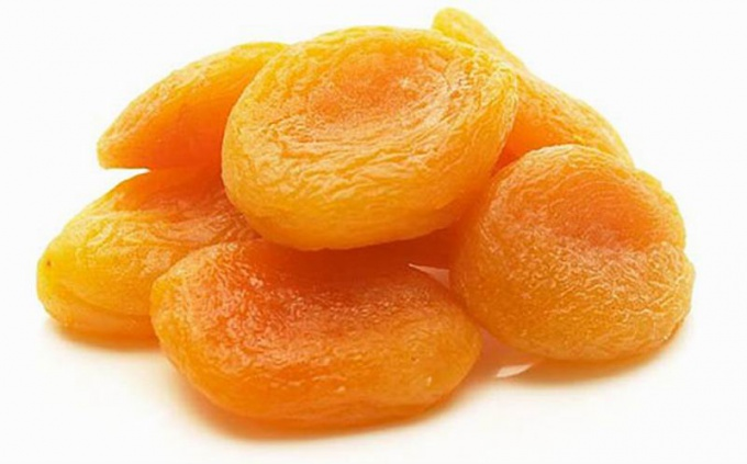 Masks for face with dried apricots