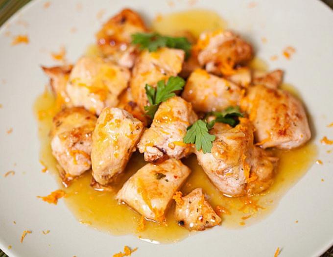 Куриное филе с соусом