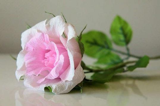 Как сделать розу с конфетой