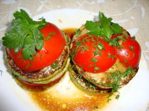 Как приготовить кабачки с помидорами
