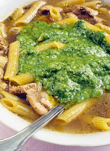 Суп с макаронами и песто