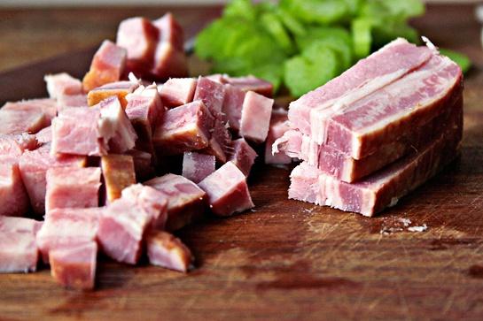 Как приготовить пасту с беконом и томатным соусом