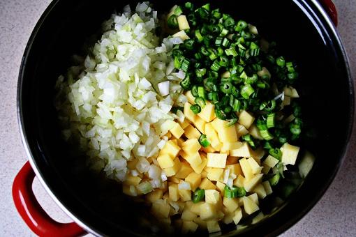 Как приготовить картофельный крем-суп с сельдереем