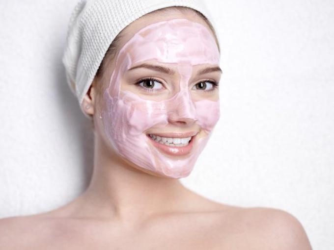 Massage mask from black dots
