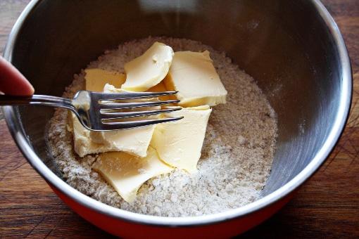 Как приготовить творожный пирог с малиновым джемом