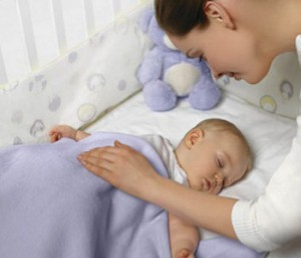 Как приучить ребенка спать в отдельной кроватке