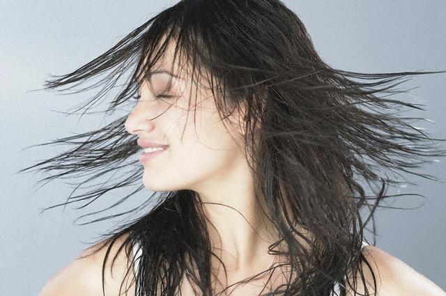 Не следует часто сушить волосы феном