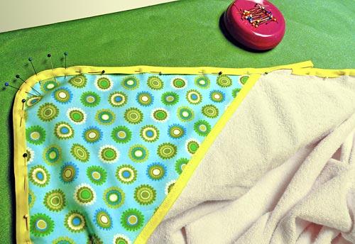 Как сшить полотенце уголок
