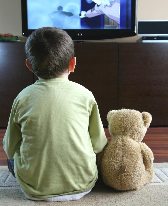 Можно ли смотреть телевизор ребенку