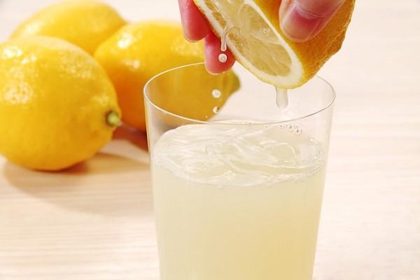 Применение лимонного сока при похудении