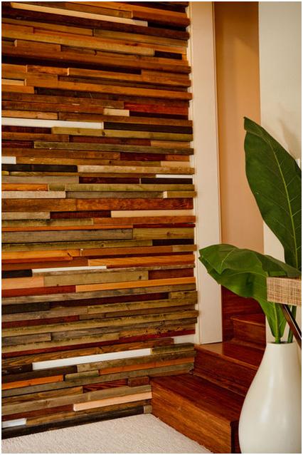 Декор стен деревом