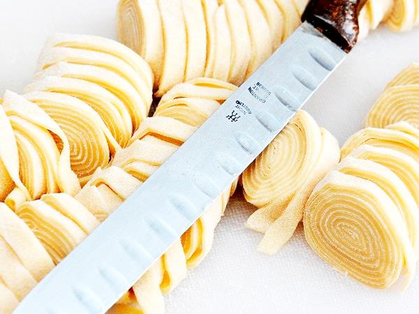 Вкусно приготовить лапшу можно легко и просто