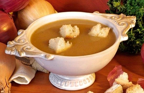 Луковый суп на вине