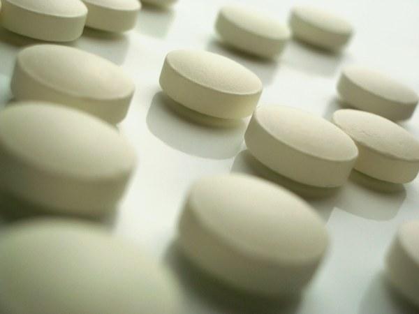 What helps paracetamol
