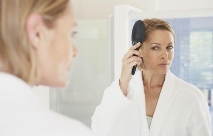Что делать, если очень сильно секутся и сохнут волосы