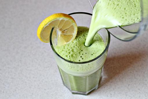 Фруктово-овощной детокс-коктейль