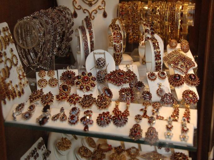 Как сделать так, чтобы ювелирные украшения сверкали
