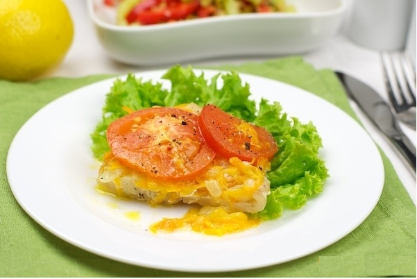 Тушёная рыба с овощами