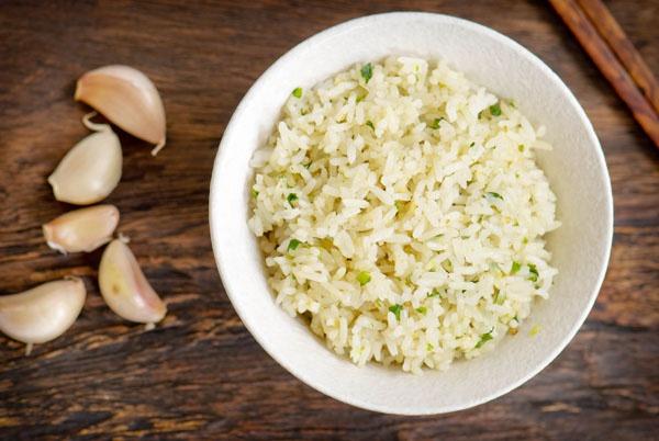 Как приготовить ароматный чесночный рис