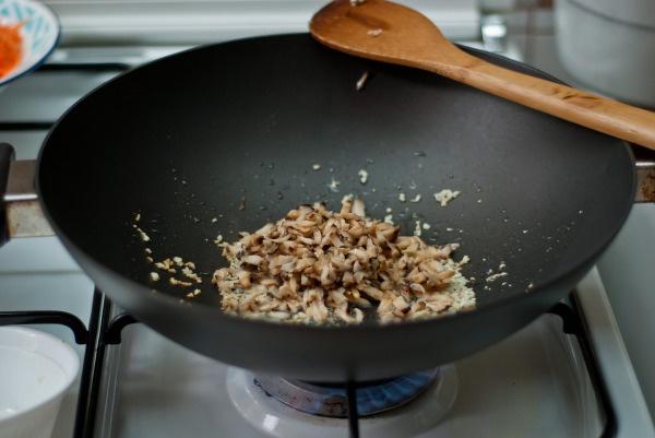 Как запечь спринг-роллы по-азиатски в духовке