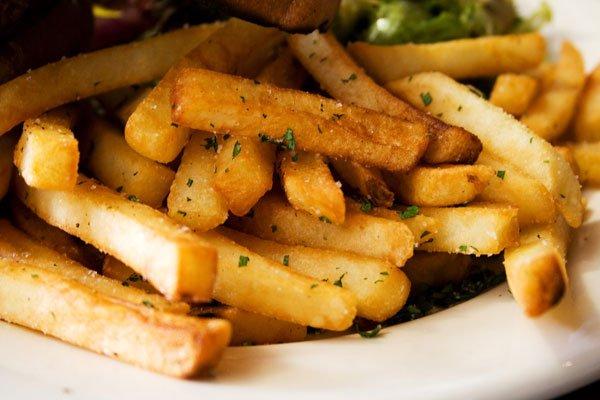 Такая аппетитная картошка получится по нашему рецепту.