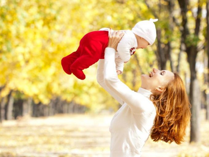 Во что одевают новорожденных осенью