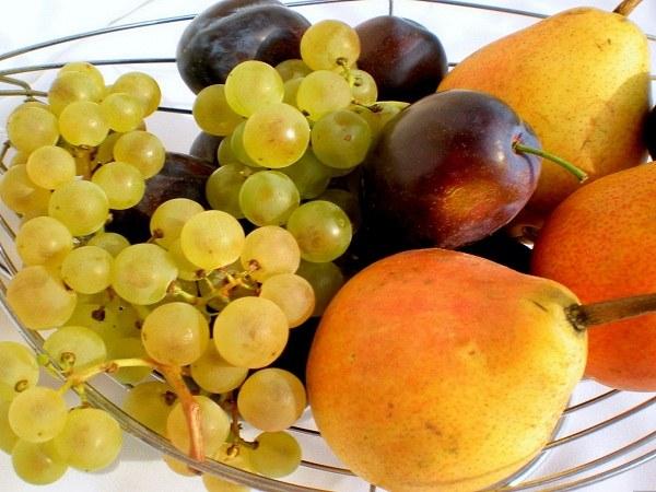 Груши и виноград усиливают газообразование у беременных