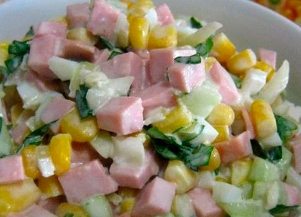How to cook salad with cooked sausage