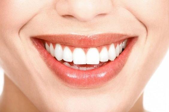 В каких случаях ставят коронку на зуб
