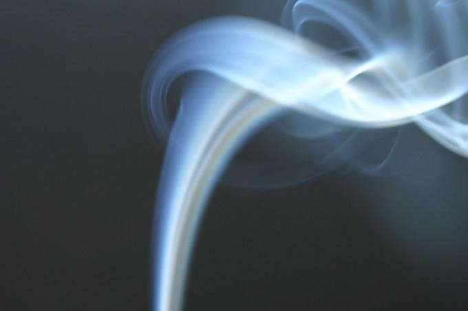 Дымовая шашка делается из доступных веществ