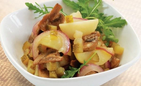 Рецепт вкусного салата из соленых грибов