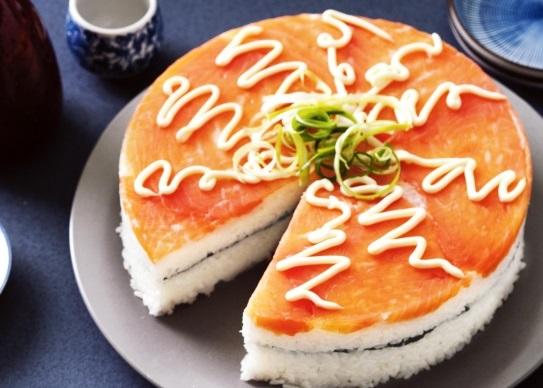 Как приготовить суши-пирог из копченого лосося