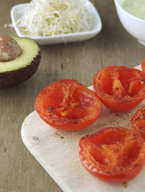 Как приготовить необычный бургер с помидорами