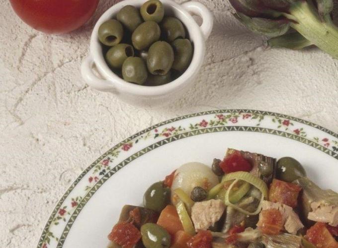 Как приготовить закуску по-итальянски с тунцом и овощами