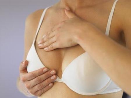 Обвисшая грудь: причины и профилактика
