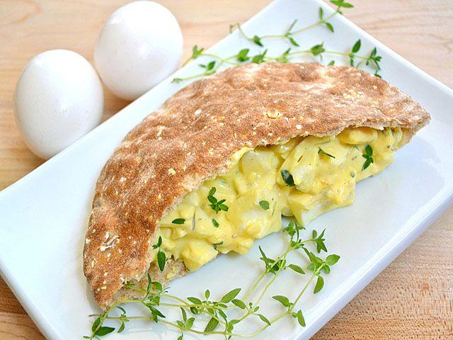 Как приготовить яичный салат с травами и лимоном