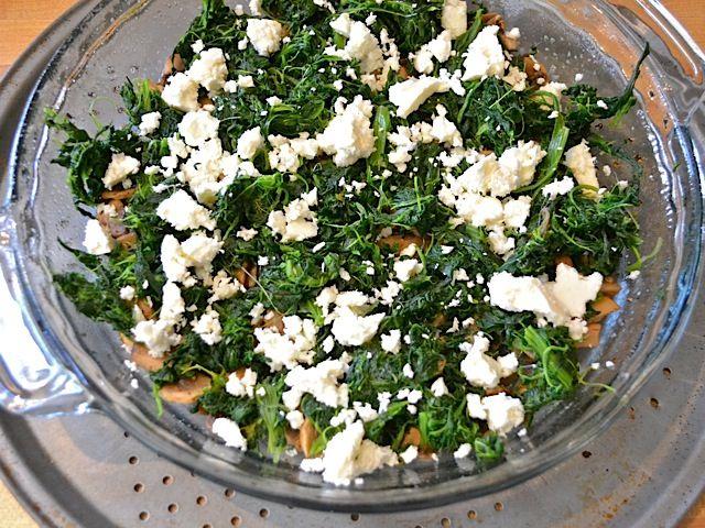Как приготовить киш с шампиньонами, сыром и шпинатом