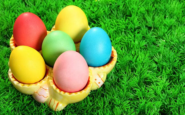 Как приготовить натуральные красители для пасхальных яиц в домашних условиях