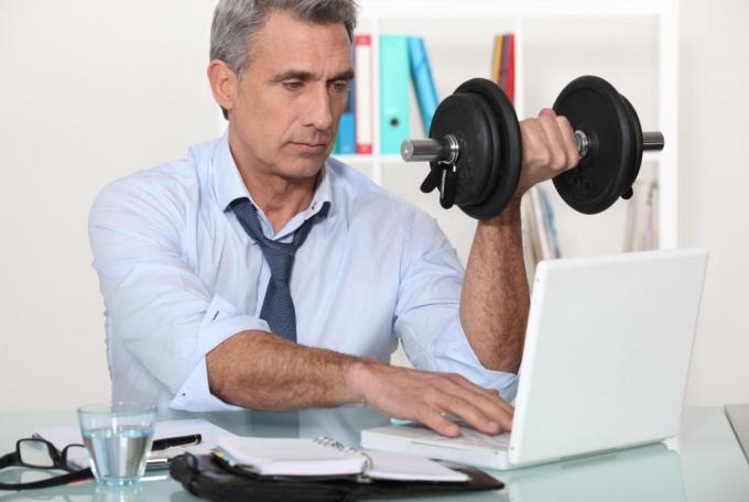 Тренировку мышц можно провести и в домашних условиях