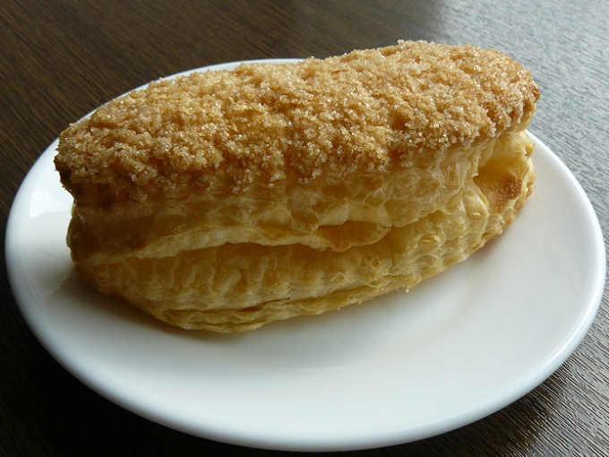 Sweet pastry made of puff pastry