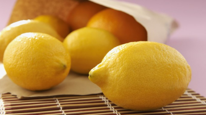 Lemon is the best remedy for a sore throat